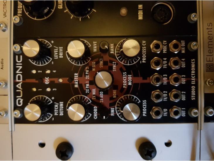 Quadnic Eurorack x4 Digital Oscillator.