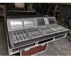 Soundcraft Vi3000 Mixer with stagerack